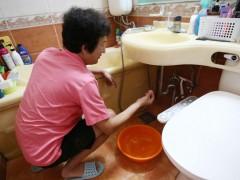 韩国仁川自来水惊现虫子 引发居民恐慌